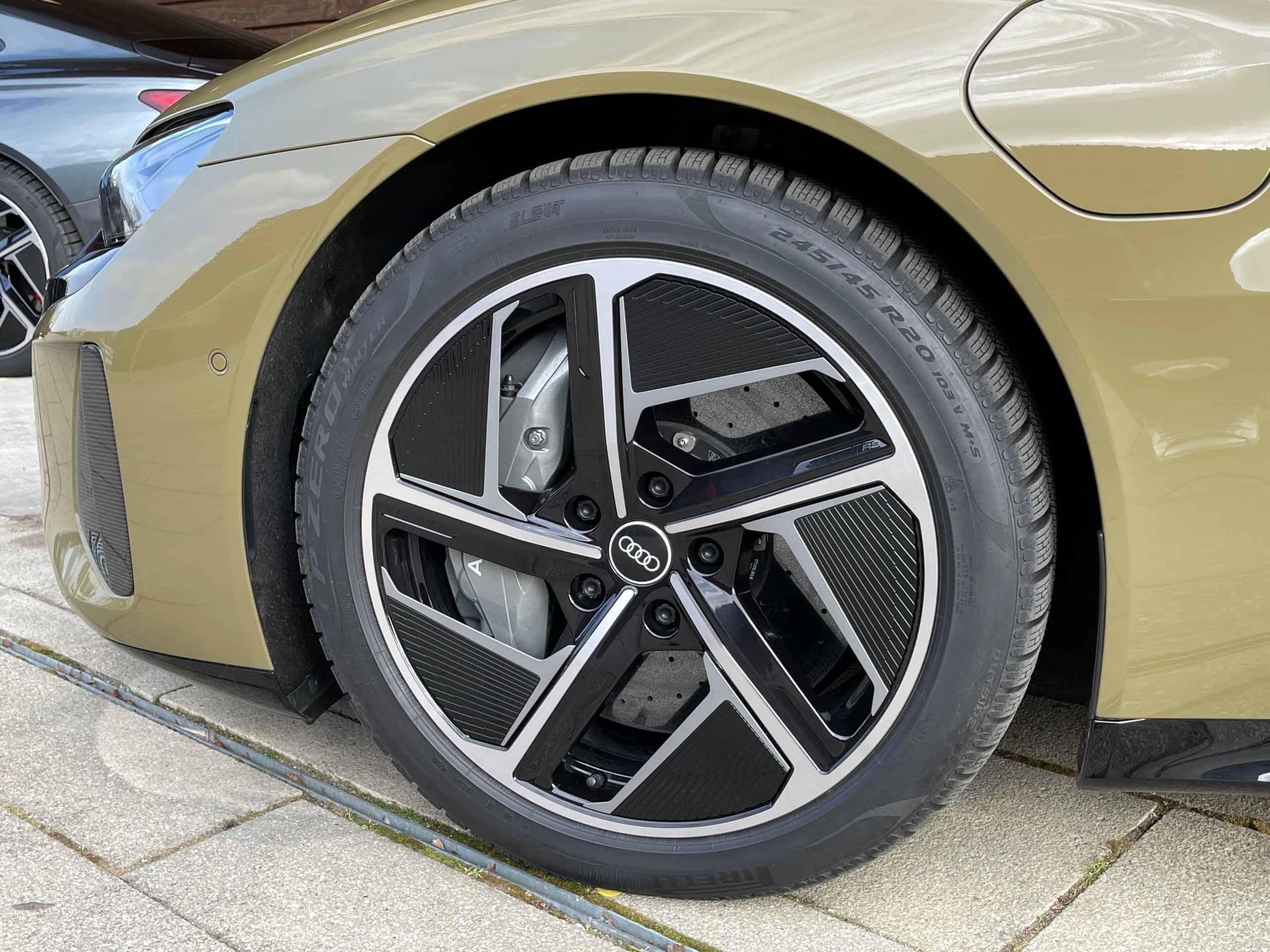Audi e-tron GT mit großen Reifen