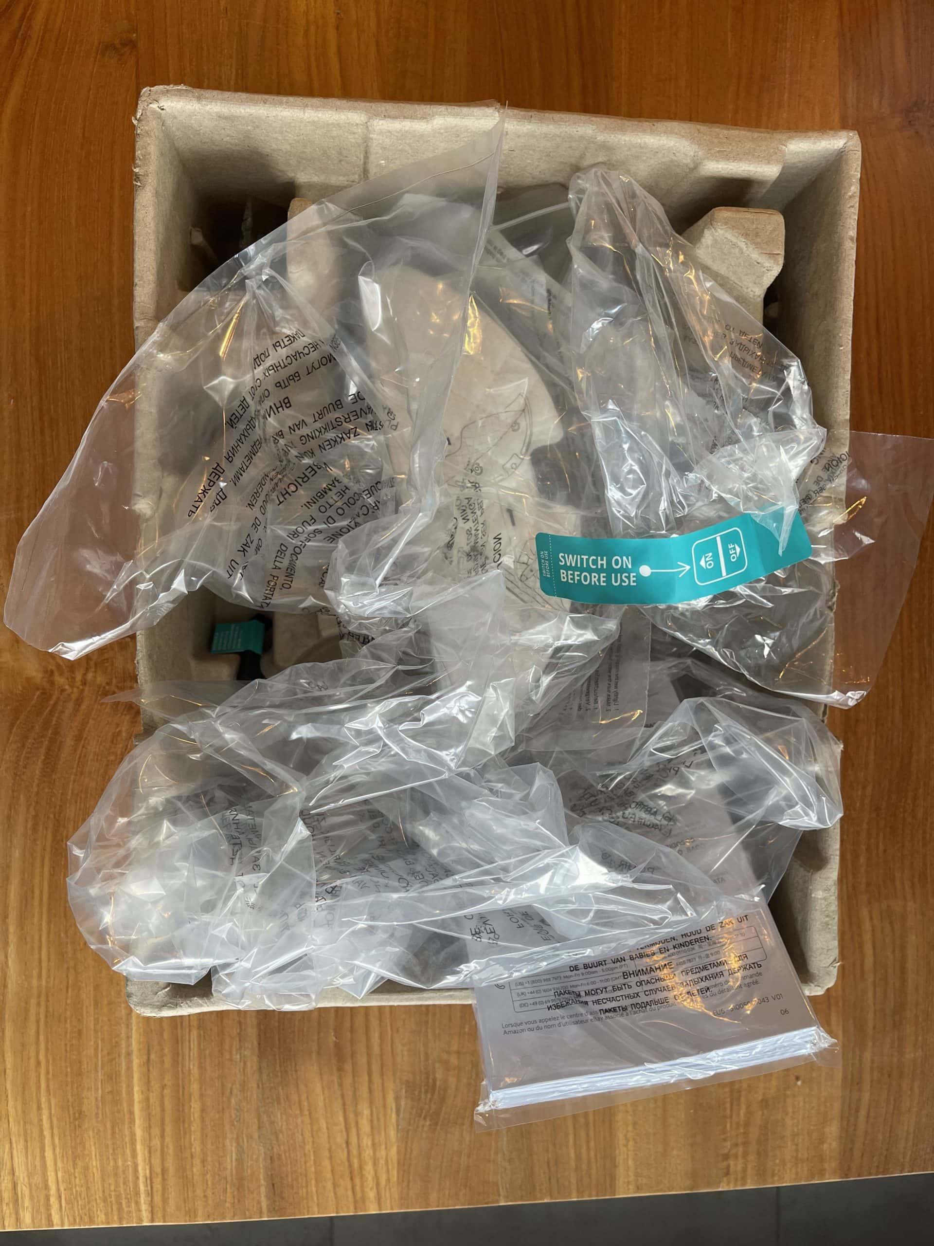 Verpackungsmüll beim Euvy Saugroboter
