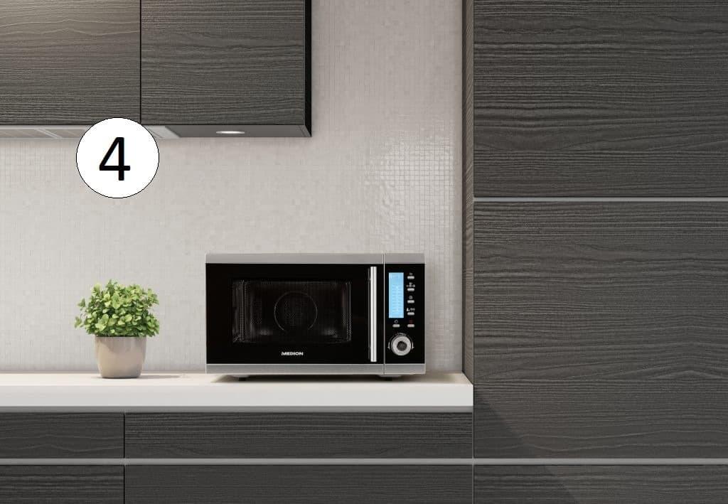Medion Mikrowelle auf Küchenzeile