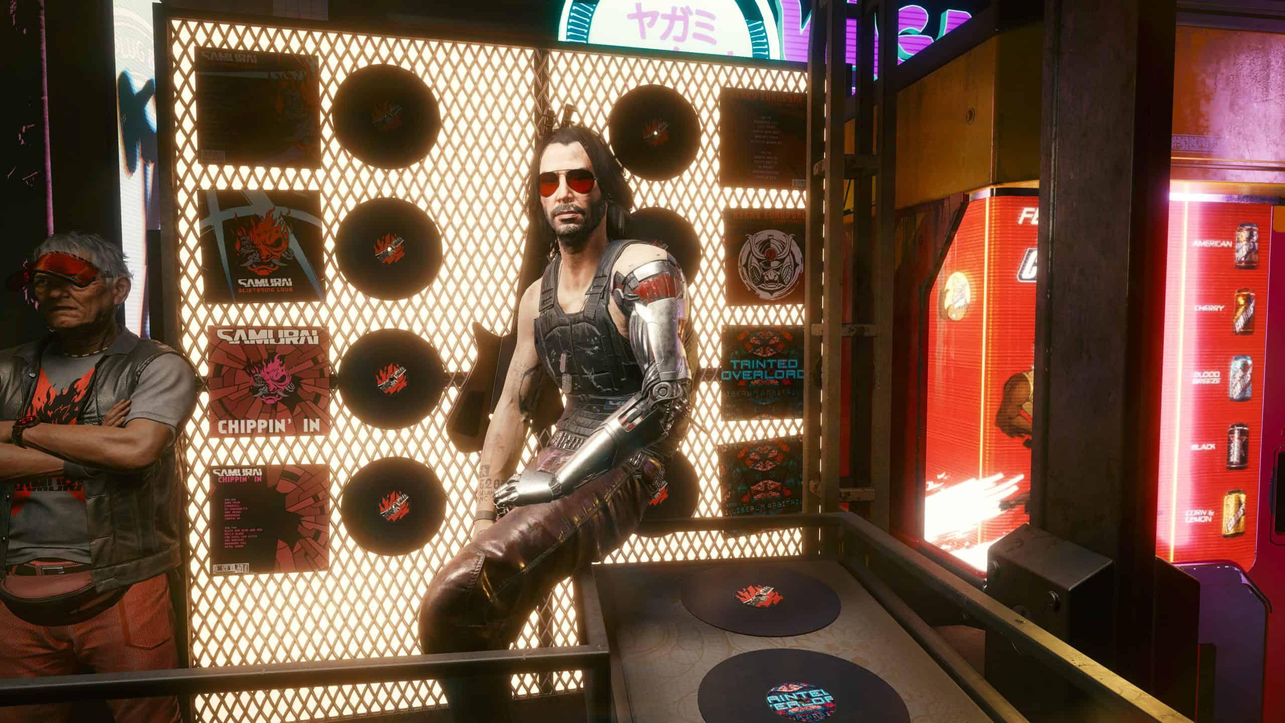 Keanu Reeves verkörpert im Spiel den Musiker und Terroristen Johnny Silverhand, der zwar schon seit 50 Jahren tot ist, Ihnen aber trotzdem gewaltig auf die Nerven gehen kann. (Bild: IMTEST)