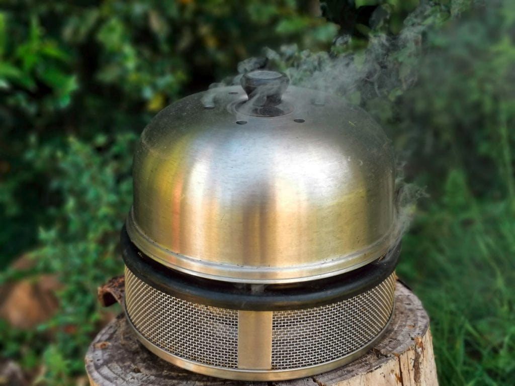 Der Cobb Grill als klassischer mobiler Grill
