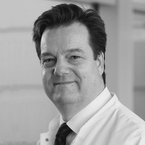 Porträt von Dr. Peter Simon