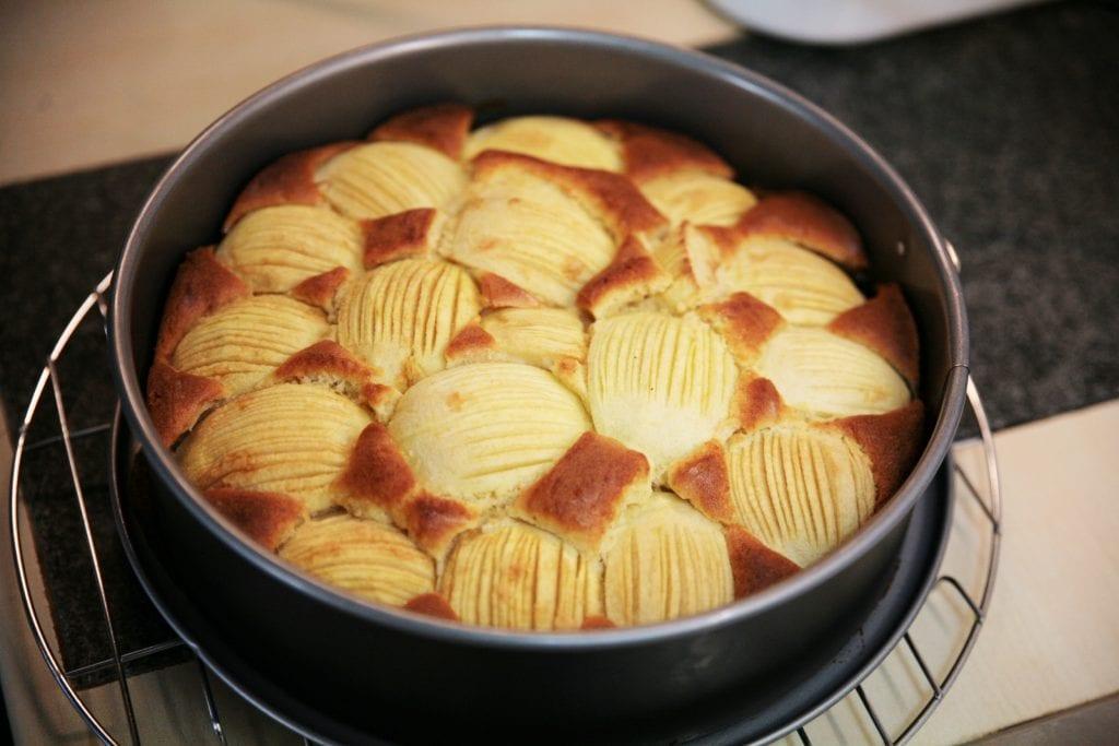 Apfelkuchen in Severin Mikrowelle