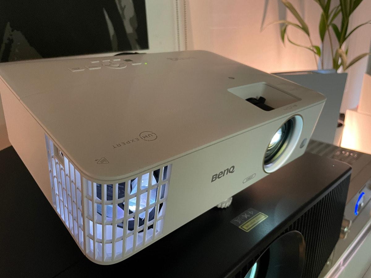 BenQ Gaming Projektor mit Lampe