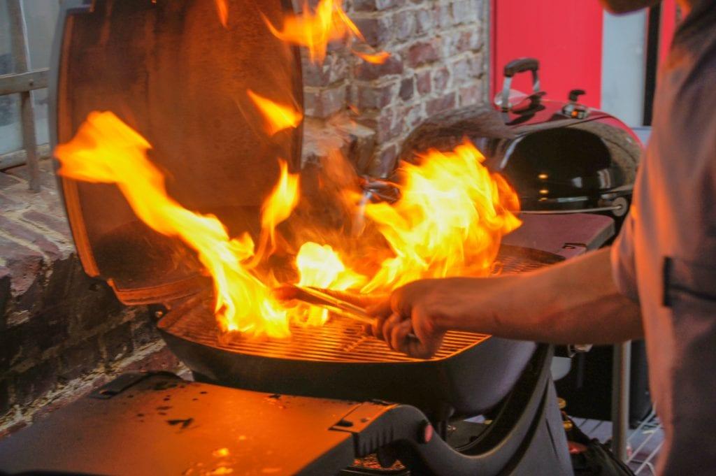 Grilltipps große Flammen vermeiden