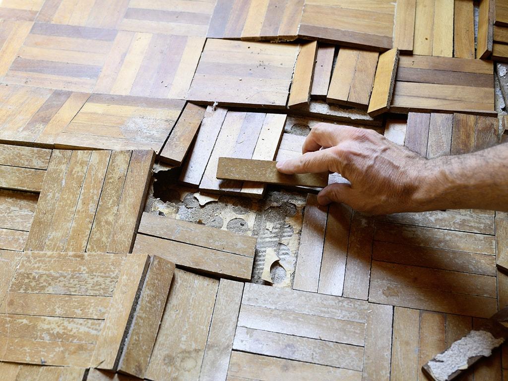 Kaputter Holzboden