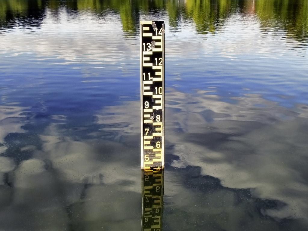 Maßstab für Wasserstand.