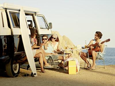 7 Dinge für den perfekten Ausflug an den Strand oder ins Grüne