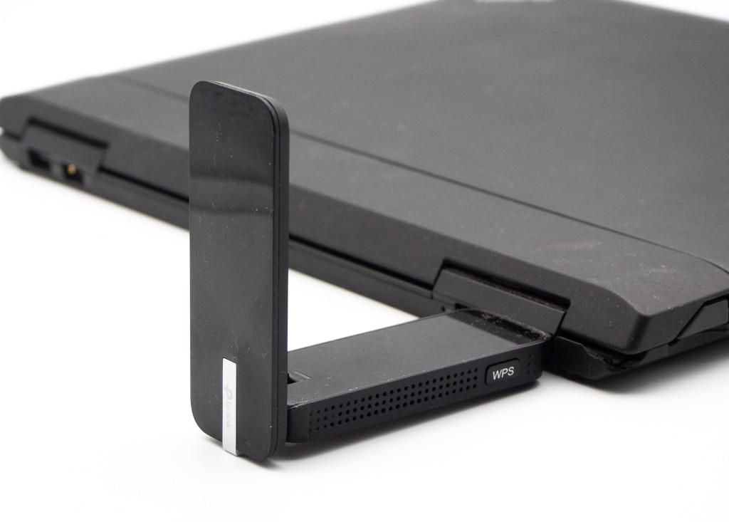 WLAN-Adapter per USB am Notebook