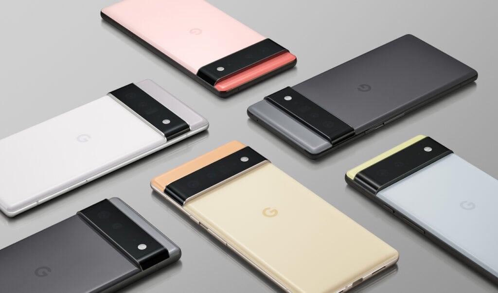 Vier Smartphones von oben