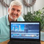 Lesertester Klaus Jebbink mit Laptop
