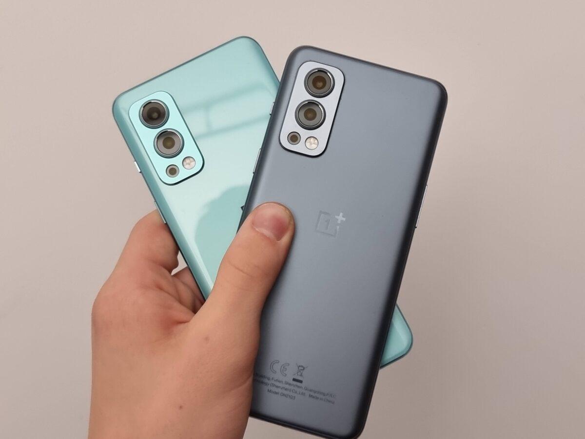 OnePlus Nord 2 zwei Modelle in zwei Farben Hellblau und Grau