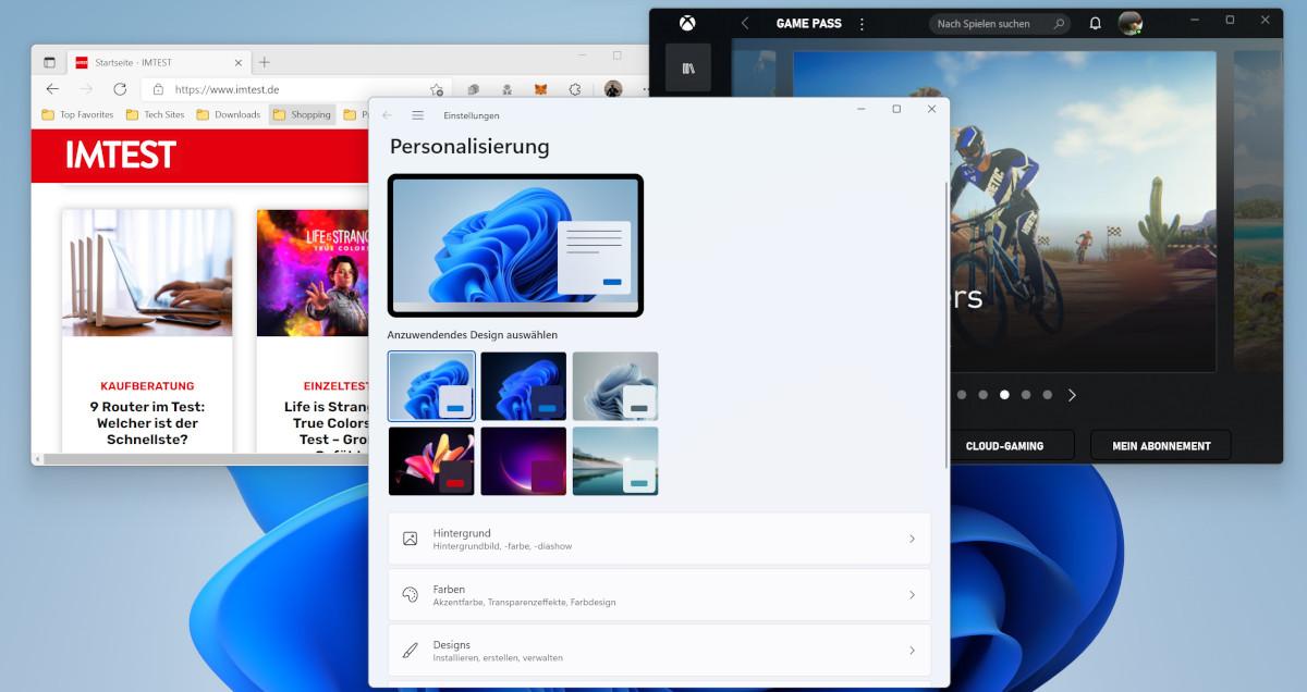 Screenshot hellbauer Hintergrund mit drei geöffneten Fenstern