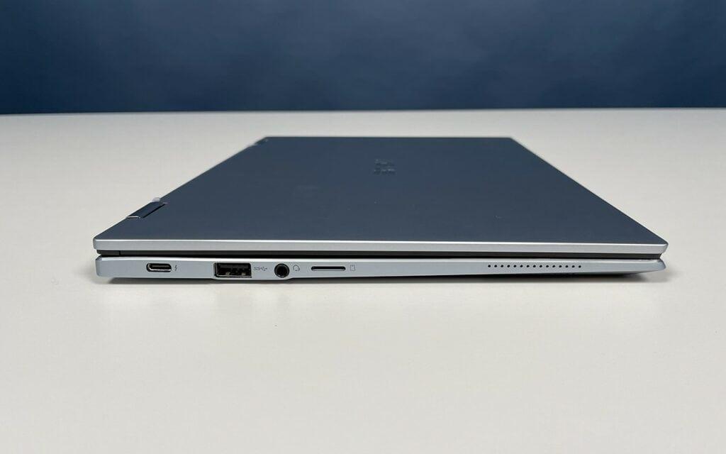 Asus Chromebook Flip XC5 Anschlüsse von der Seite