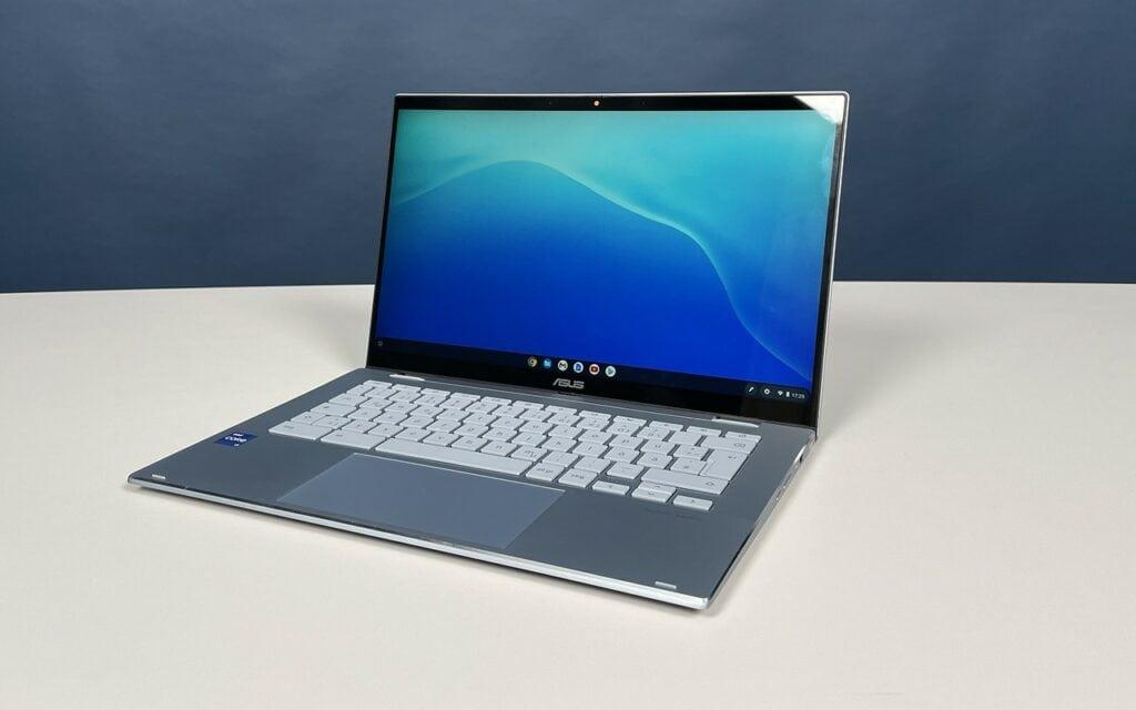Asus Chromebook Flip XC5 aufgeklappt als Laptop