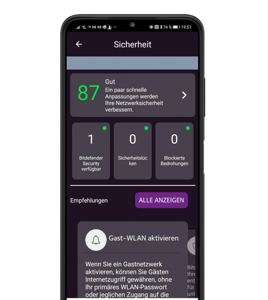 Schwarzes Smartphone mit dunklem Einstellungs-Menü auf dem Bildschirm, vor weißem Hintergrund