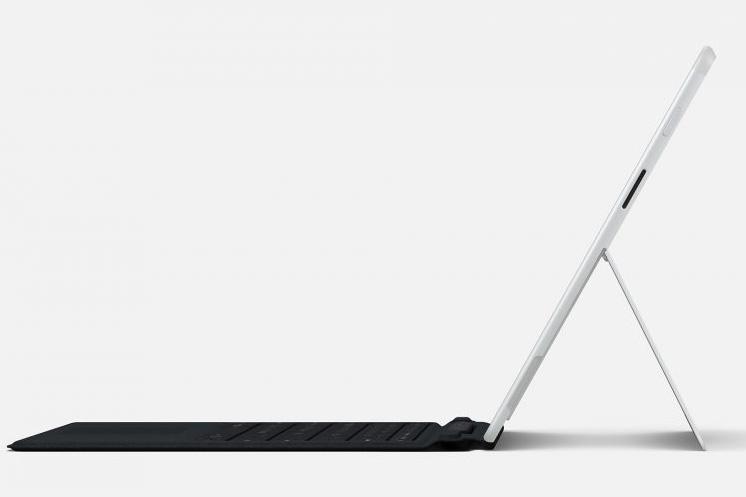 Surface Pro X von der Seite