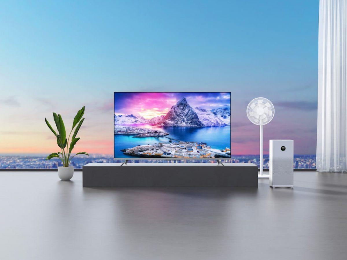 Ein Fernseher in einem Wohnzimmer