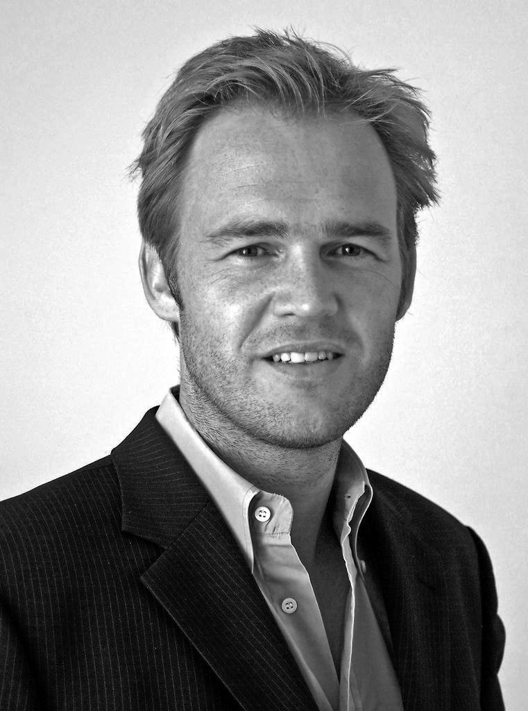 Portrait von Dr. Jörg Heidjann
